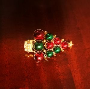 Vintage Christmas Tree enameled brooch